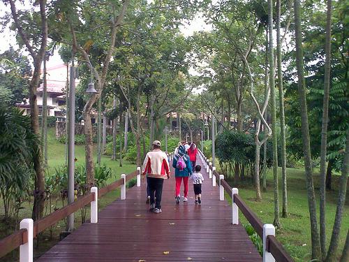 08082010-Family walk