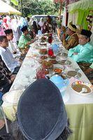 Meja makan rombongan pengantin